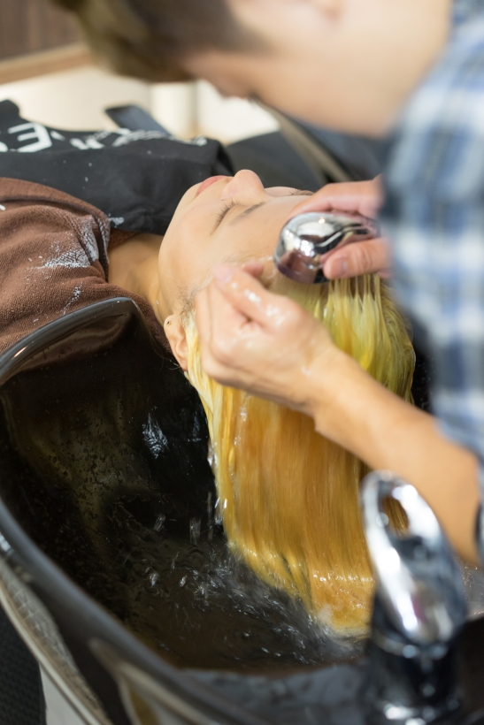 washingyellowhair